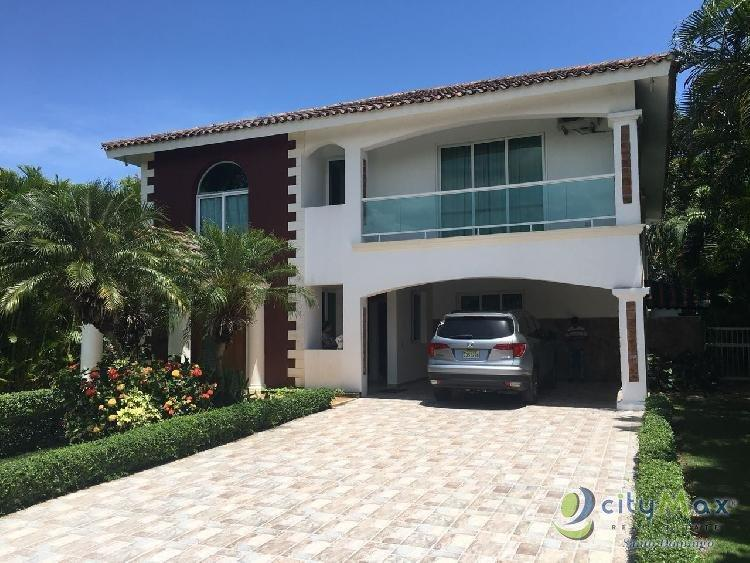 Vende Y Renta Villa En Metro Country Club