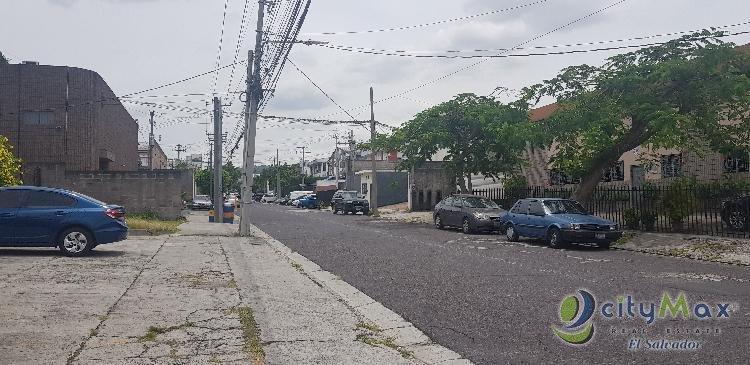 Alquilo Nave industrial en Zona Industrial Santa Elena