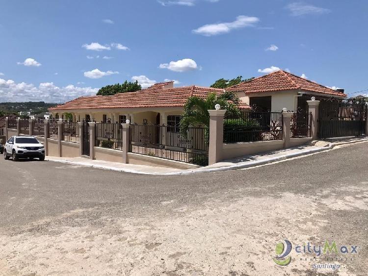 Casa amplia y acogedora en venta en Santiago Rep.Dom.