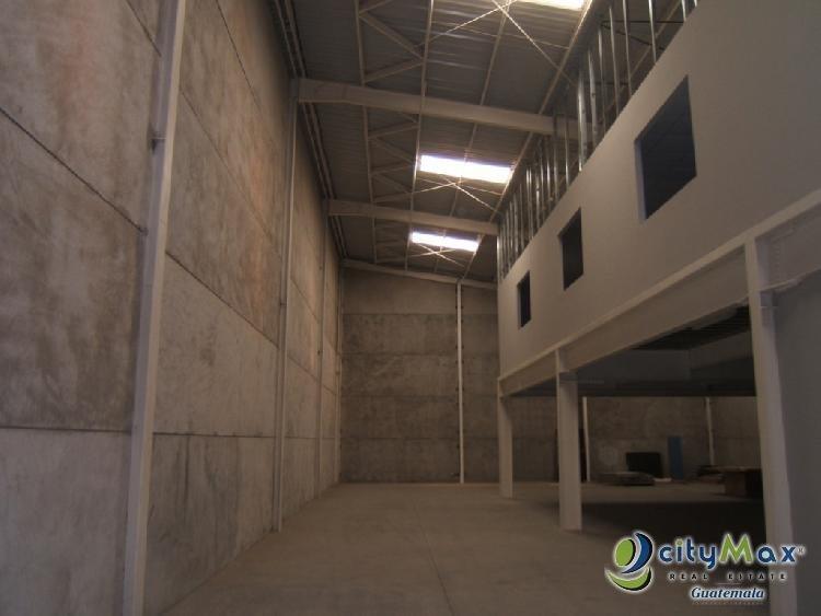 Rento Ofibodega con 668 m2 en la Calzada Atanasio Z.12