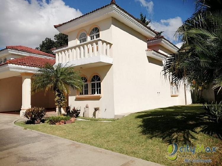 Casa en Venta y Renta en San Cristobal, Zona 8 de Mixco