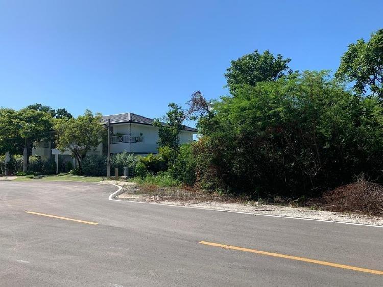 Vendo Solar en Punta Cana Village de 934.85 mts2