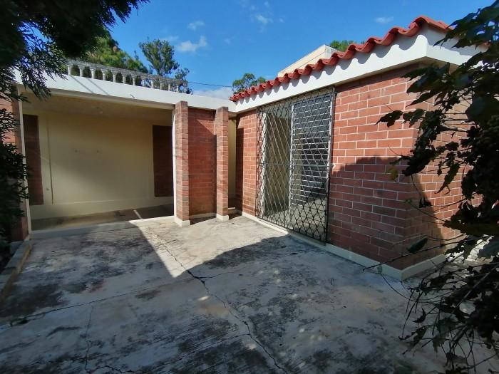 Casa en Venta San Cristobal, 1 nivel colonia con garita