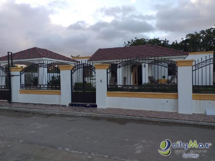 Casa en Venta, en los Jardines del Sur Santiago, RD.