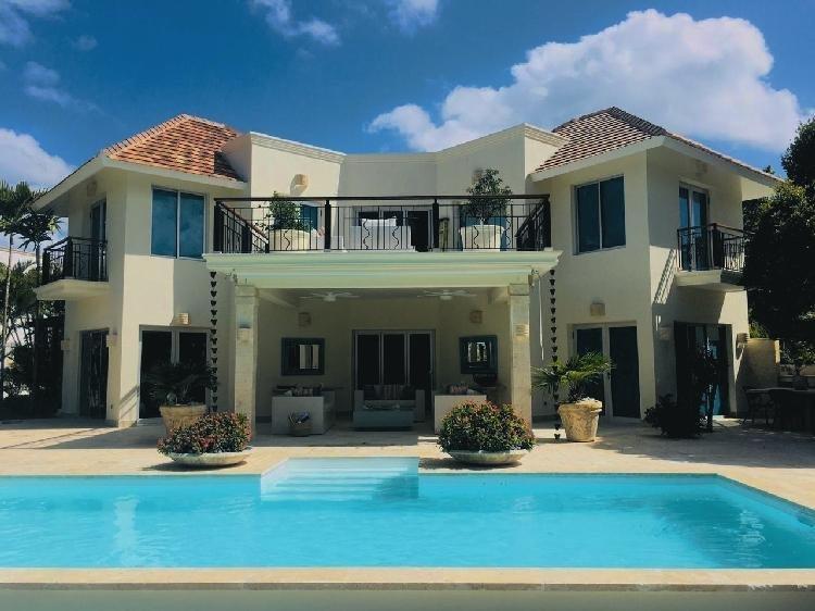VENDO Villa amueblada en Tortuga Bay  Punta Cana