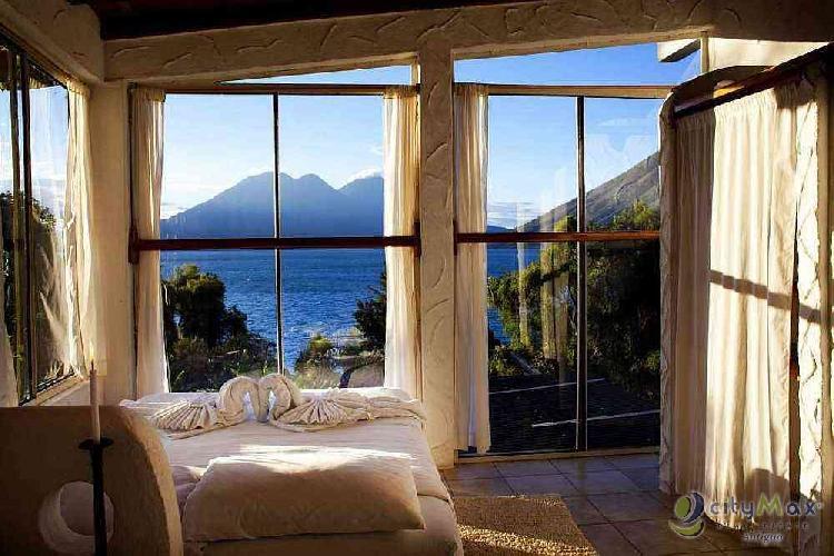 Venta de hotel a orillas de Lago de Atitlán.